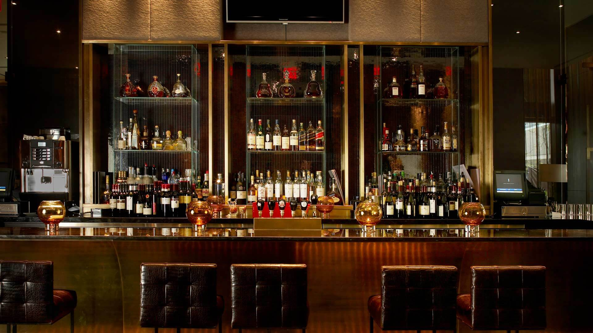 ONE Restaurant Bar